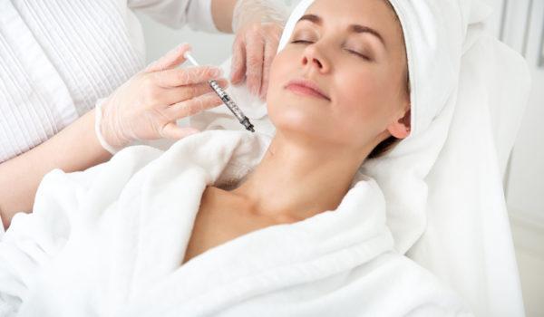 """Озонотерапия в центре """"Динос"""" - исключительно полезная для тела и здоровья человека процедура, почти не имеющая противопоказаний."""