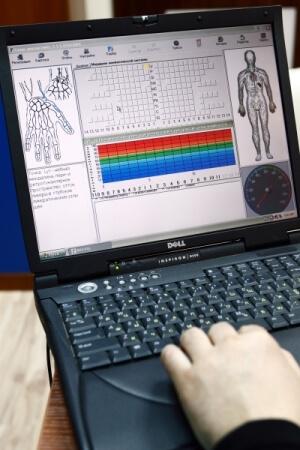 Использование диагностической аппаратуры в лечении