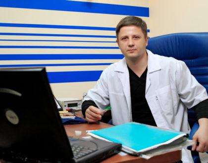"""Как избавиться от герпеса навсегда? Лечение герпеса в медцентре """"Динос"""", врач Северинов"""