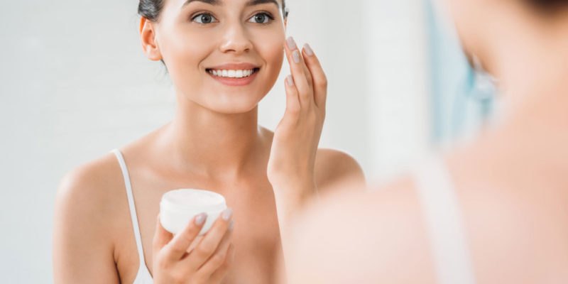 Чистка лица дома или у косметолога