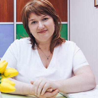 Наталия Рачок косметолог медцентра ДИНОС (Киев)